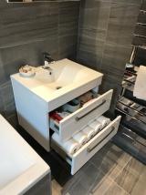 Julie Geisha bathroom 5